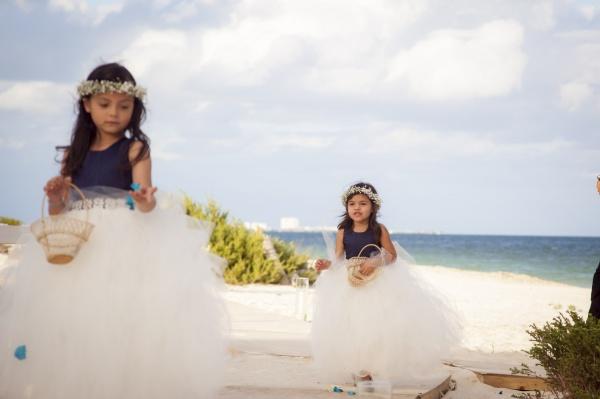 flower girl wedding jardin del mar
