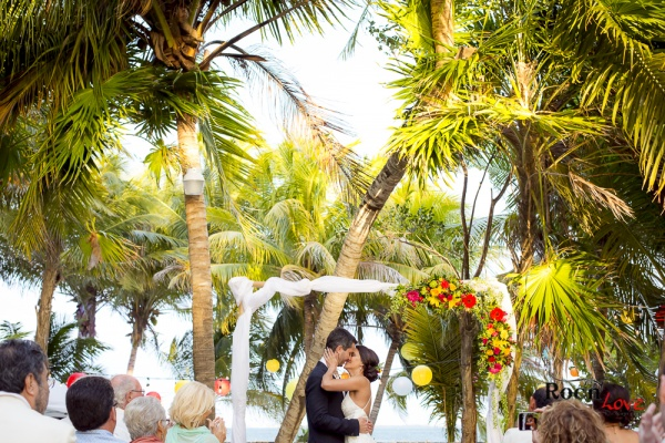 Just married mexican wedding on the beach