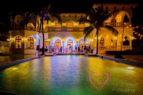Villa la joya weddings at night