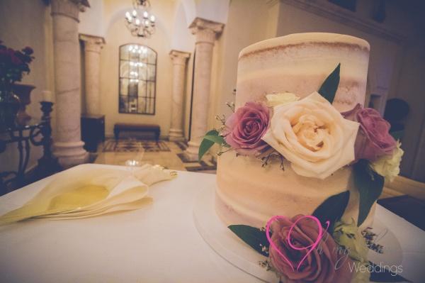 Seminaked cake white and dusty rose