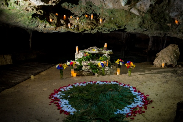 Ceremonia maya en cenote Riviera Maya