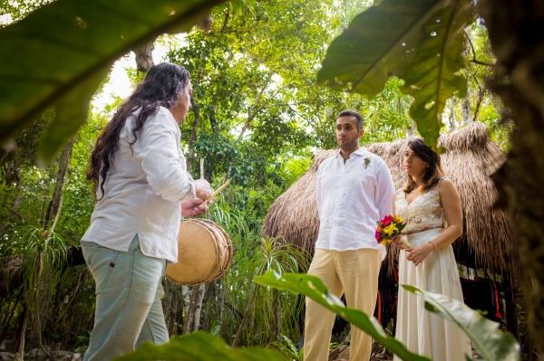 Ceremonia maya en cenote Tulum