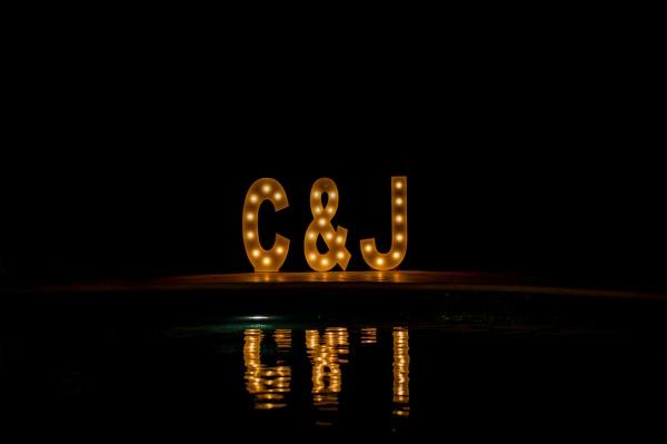 letras iluminadas wedding-villa-la-joya-venue