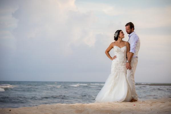 wedding-puntips-for-your-destination-wedding-by-the-beachta-venado beach club venue